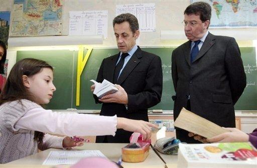 Sarkozy_Darcos_-cole_P-rigeux_15f-v2008_afp