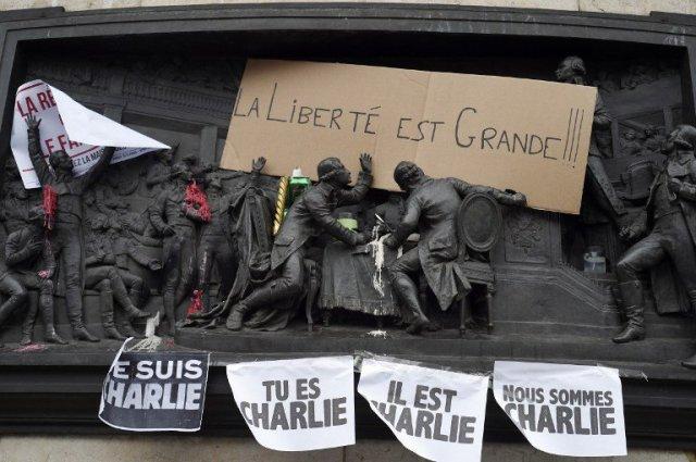 Attentat-terroriste-visant-Charlie-Hebdo_lightbox_full
